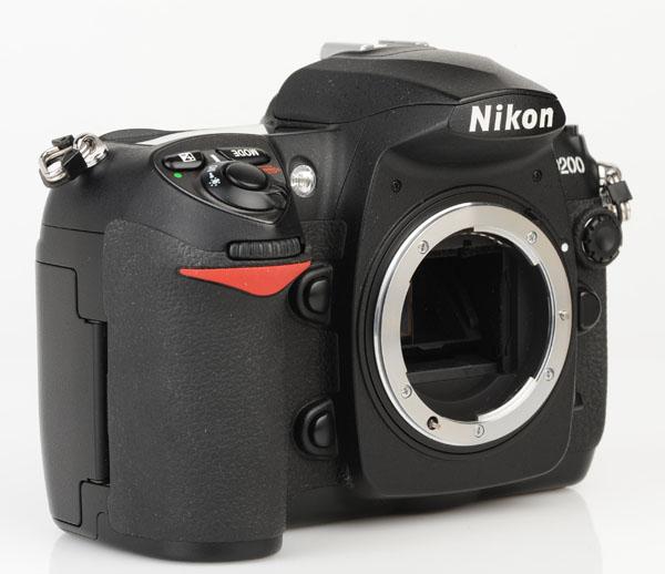 Nikon D200 front 3