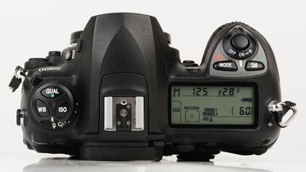 Nikon D200 top